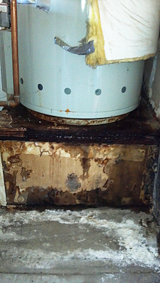 Water heater with obvious leakage found by our Thortnon CO water heater repair team